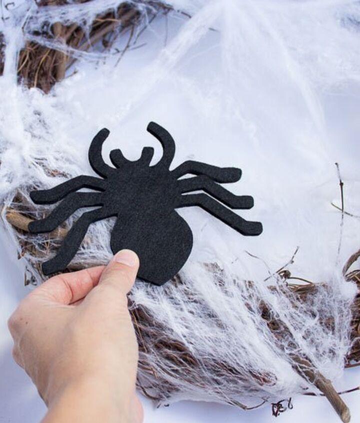 5 minute spider wreath