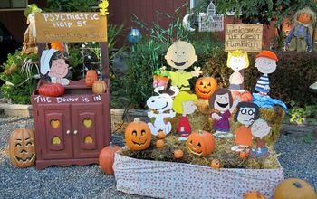 Charlie Brown Halloween Display