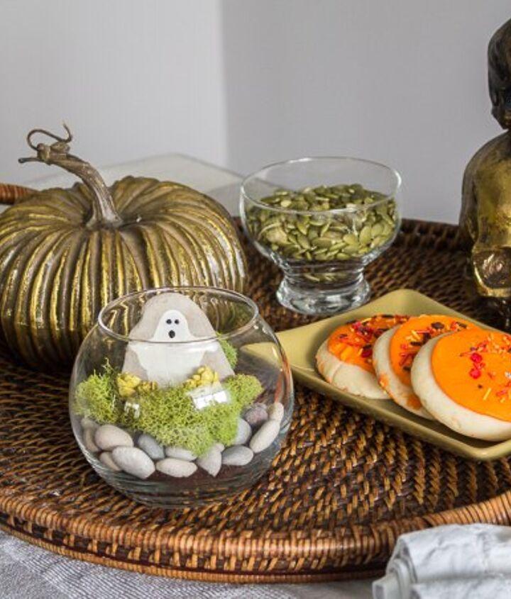 mini halloween terrarium