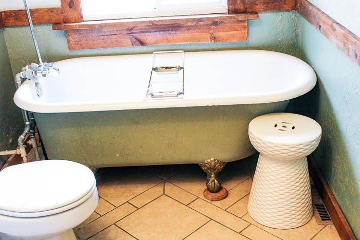 how to paint a claw foot tub