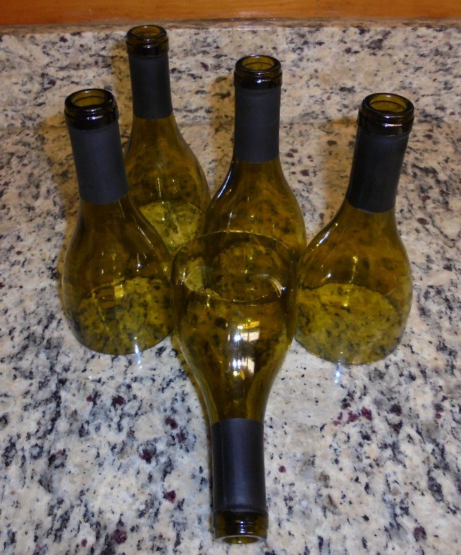 q how to put cut wine bottle tops to use