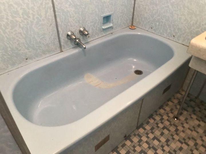 q urgent bathroom reno on tight budget
