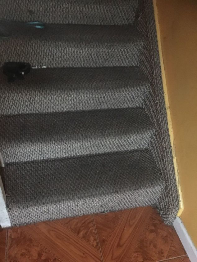 q how do i remove carpet from my stairs