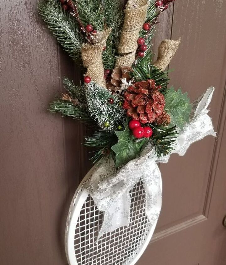 upcycle tennis raquet candy cane