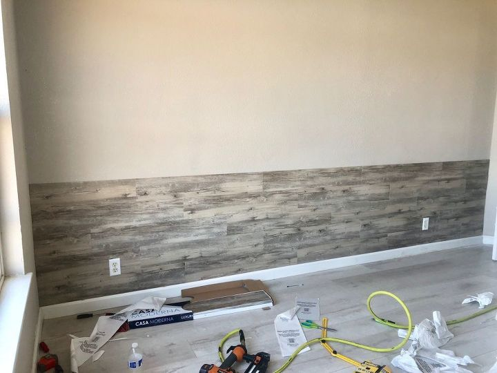 DIY Peel and Stick Vinyl Plank Accent Wall | Hometalk