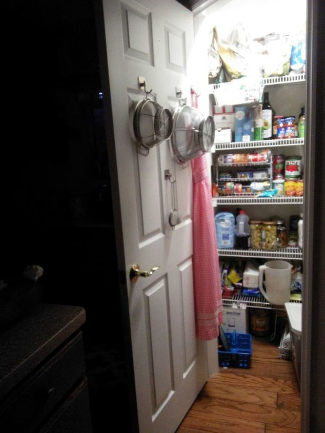 q how to hang spice racks on hollow door