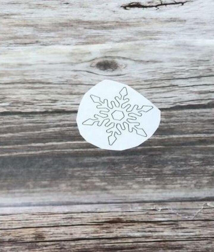 easy glittery snowflakes