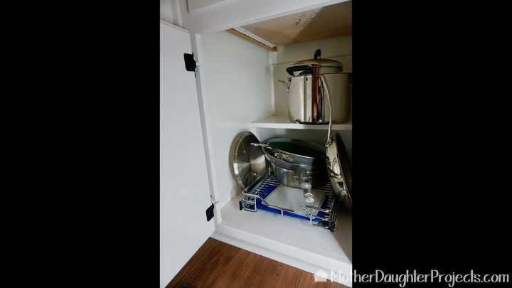 quick kitchen cabinet storage with wall control