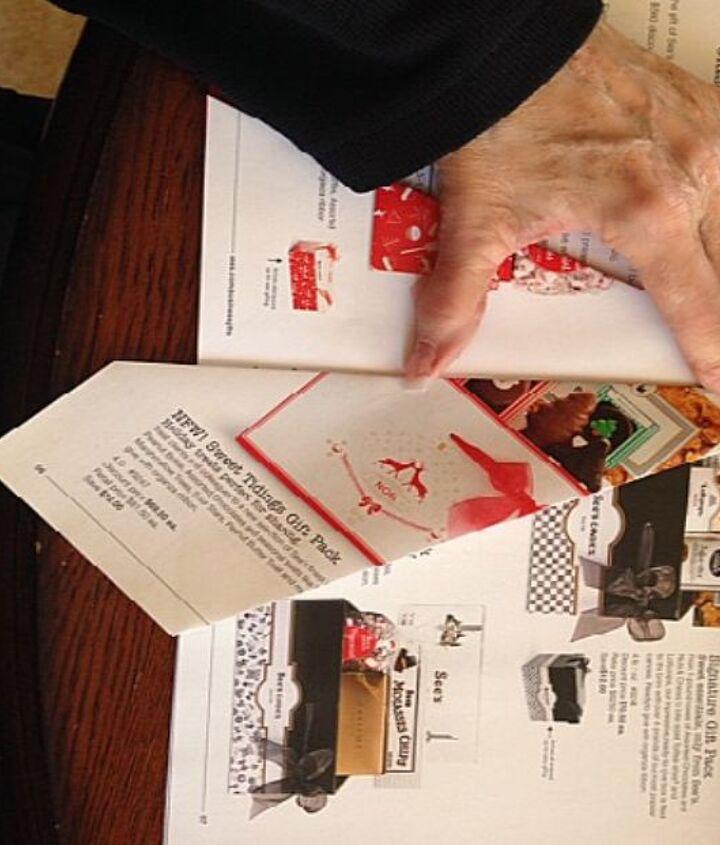 got a magazine make a christmas tree
