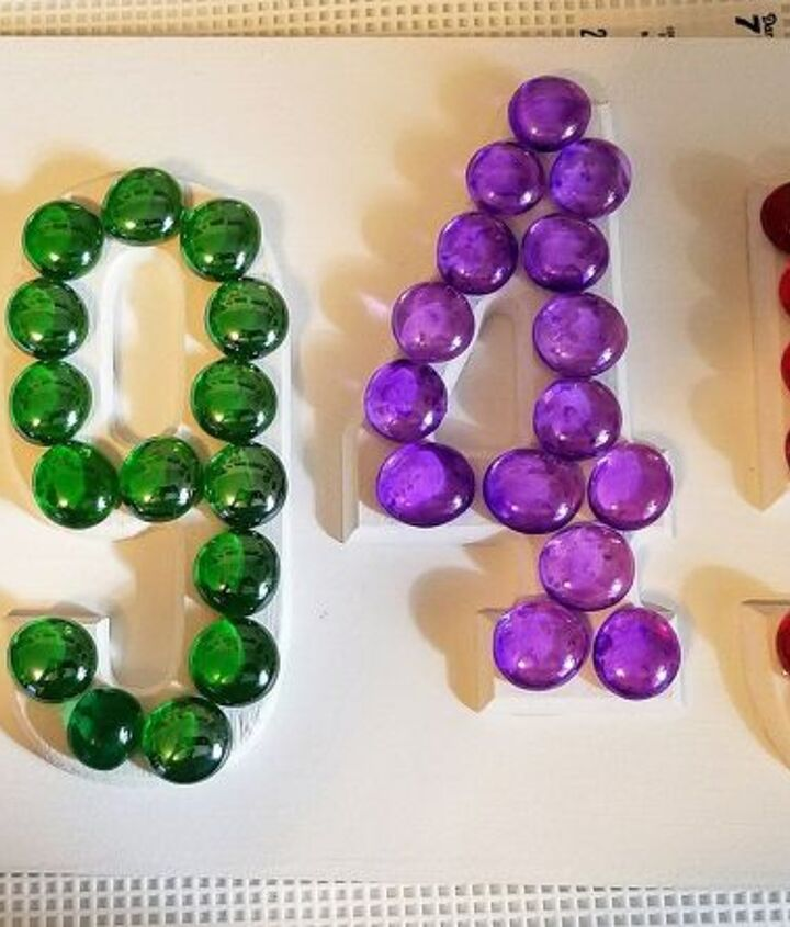 s adorable address plaques to dress up your doors, Never thought about glass beads