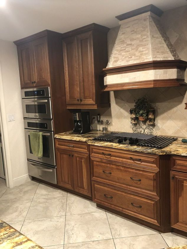 Can I use chalk paint on my oak-colored kitchen cabinets ...