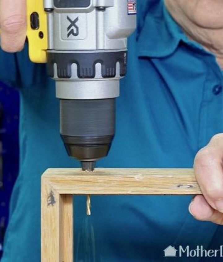 how to make a simple ornament display frame
