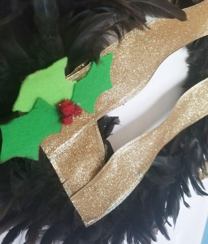 feather santa s belt wreath