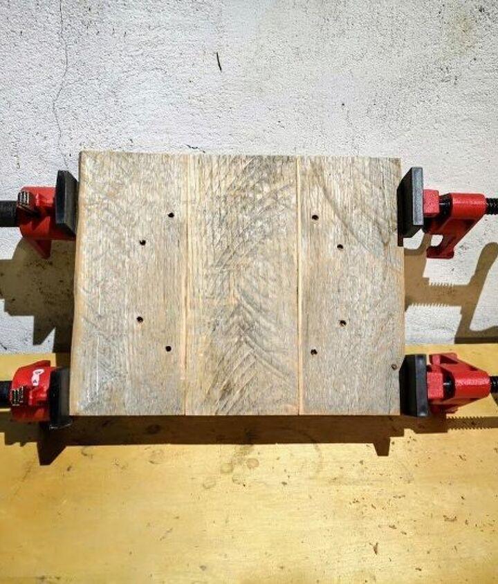 simple pallet wood photo display