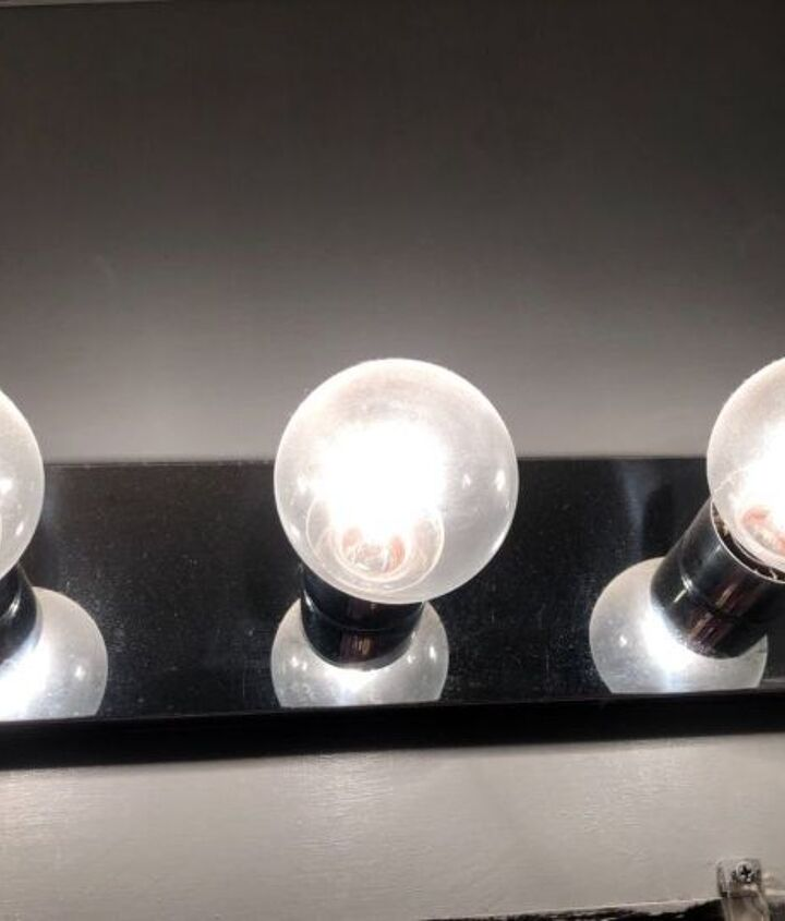 q can you paint bathroom wall fixtures