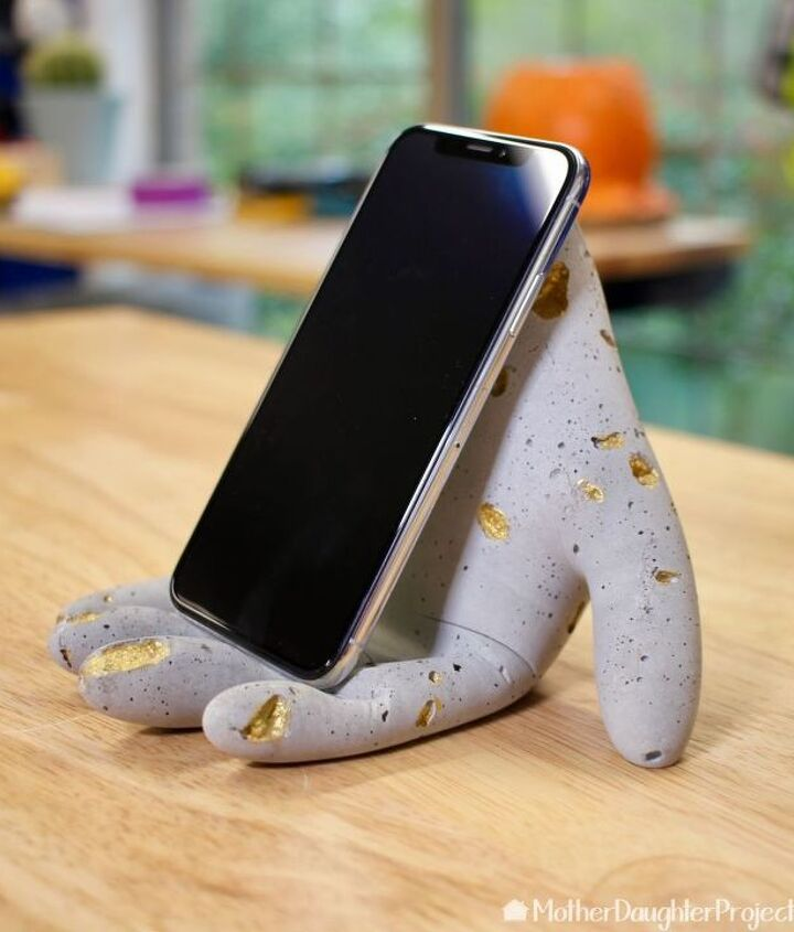 how to make a concrete hand stand for your phone