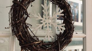 What To Do With Large Dollar Store Wooden Snowflakes Hometalk