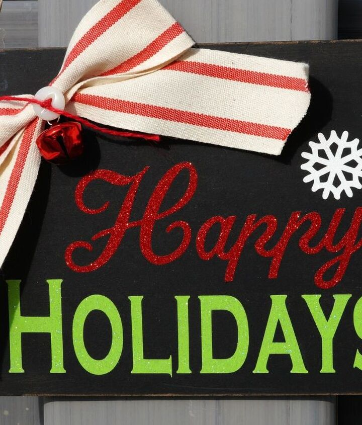 how to create a holiday chalkboard sign