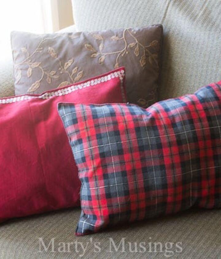 diy no sew pillow made out of a place mat