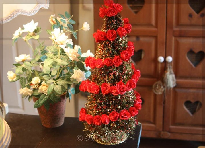 How To Decorate Christmas Bottle-Brush Tree With Rose