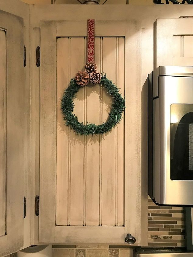 mini wreaths for kitchen cabinets
