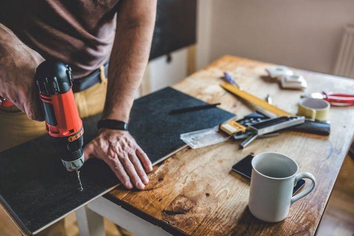 DIY Coffee Table (shutterstock)