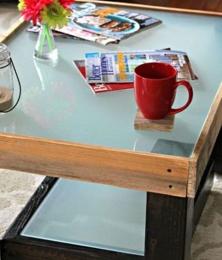 Pallet and Glass Coffee Table (Andrew @Scrappy Geek)