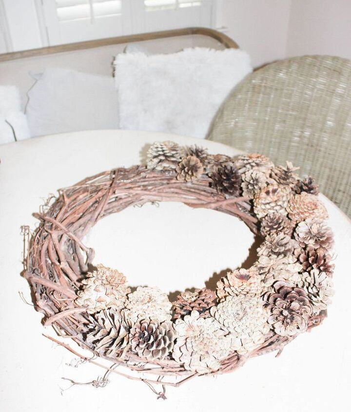 how to bleach pinecones and create a holiday wreath