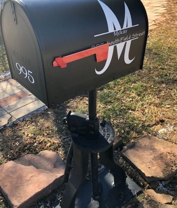 Finished mailbox