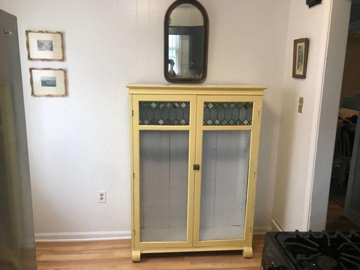 q empty kitchen corner
