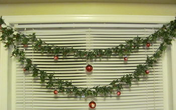 Decorate Your Kitchen Window (or Any Window) For Christmas