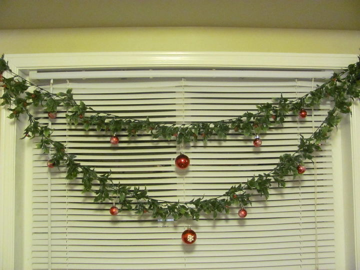 decorate your kitchen window or any window for christmas