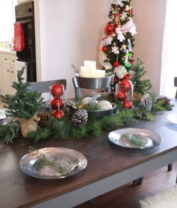it s beginning to look a lot like a christmas table