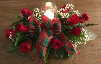 Beautiful Christmas Centerpiece Super Easy and on Budget