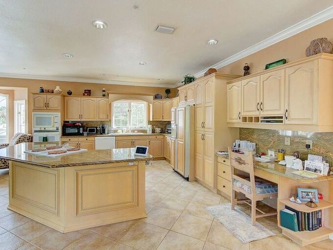 q refinish natural colored wood kitchen cubboards
