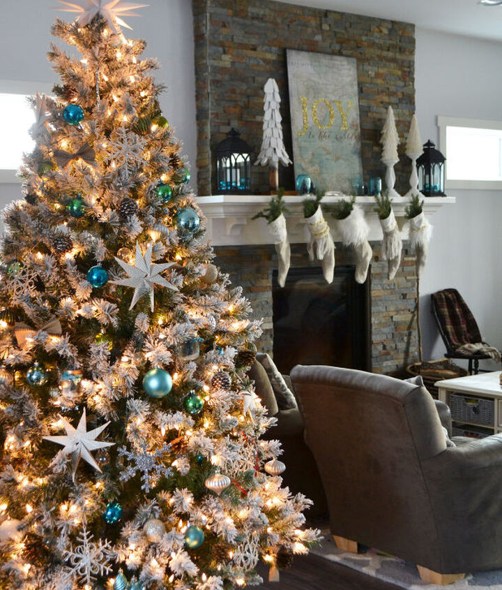 s it s beginning to look a lot like christmas, Teal Green Vintage Inspired Christmas Home
