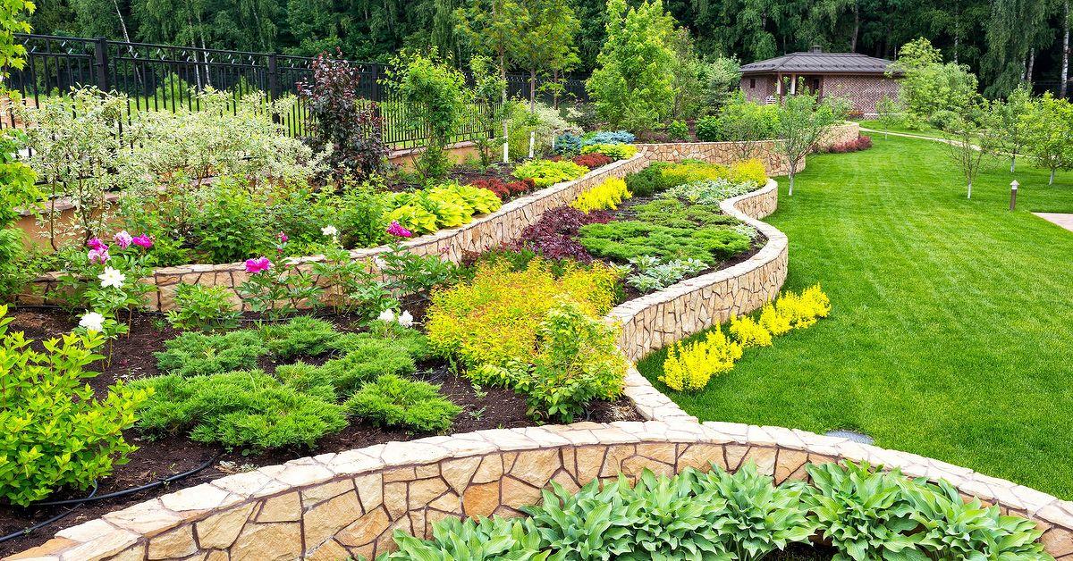 13 Easy DIY Backyard Landscaping Ideas | Hometalk