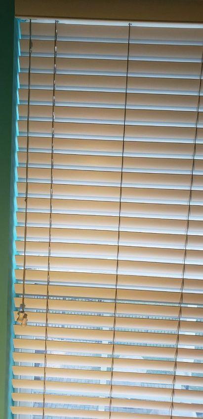 q how do i clean window blinds