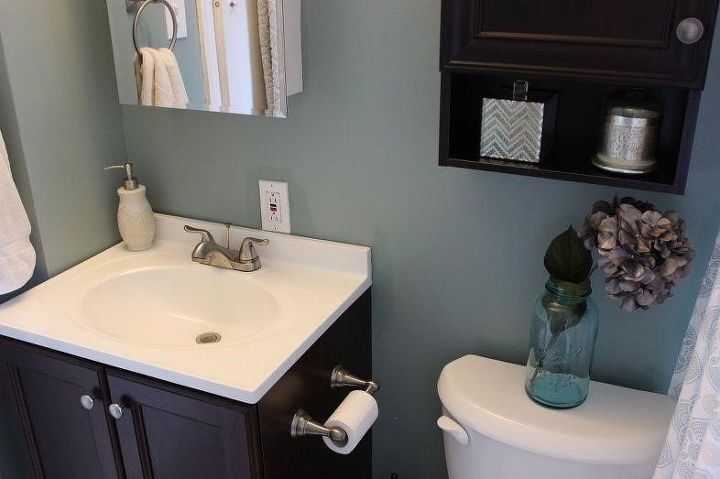 Small bathroom remodel ideas (Moscatoismymantra)