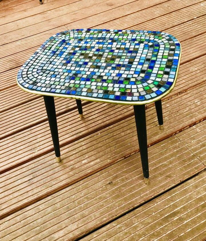 Vintage table mosaic up cycle