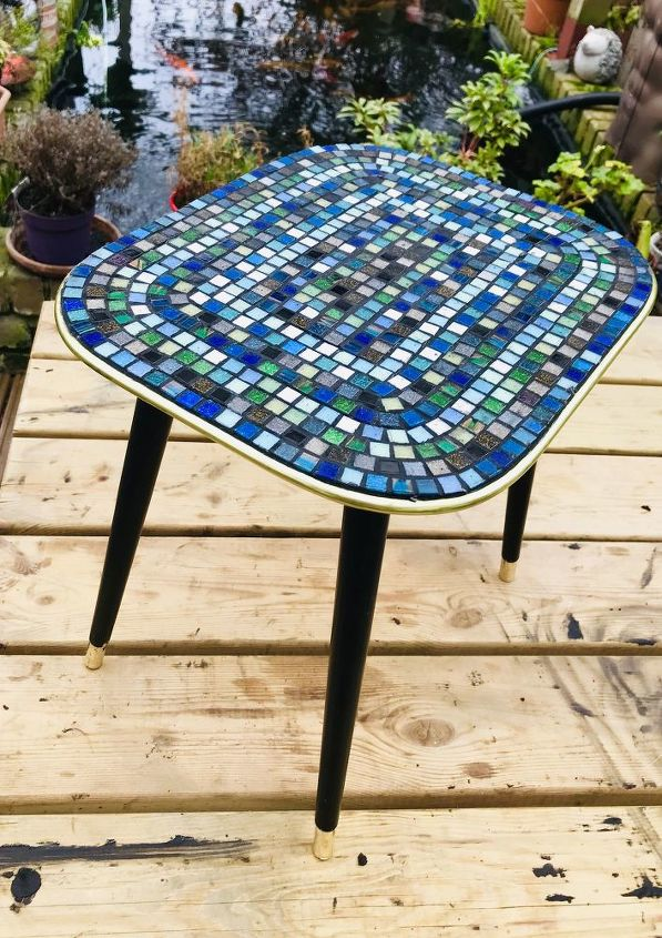 How to transform coffee table with Mosaic