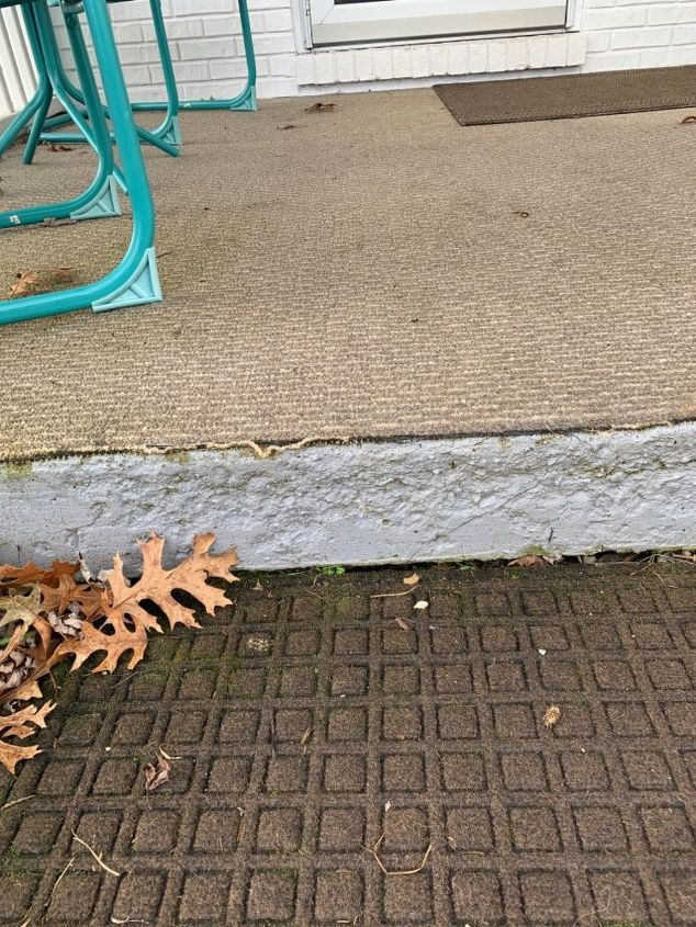 q what can i do to hide carpet edges on an outside porch