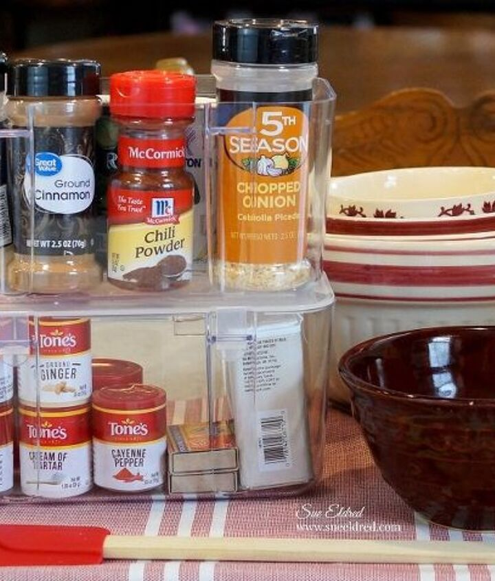 organizing the dreaded kitchen cabinet