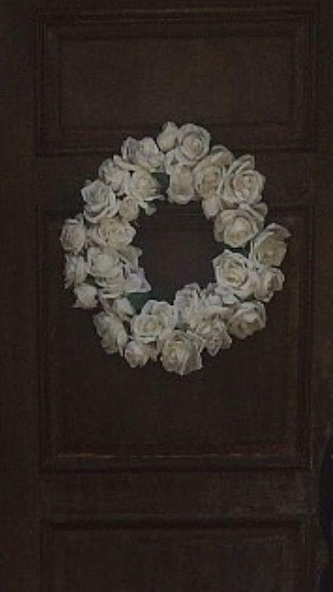 q door wreath suggestions
