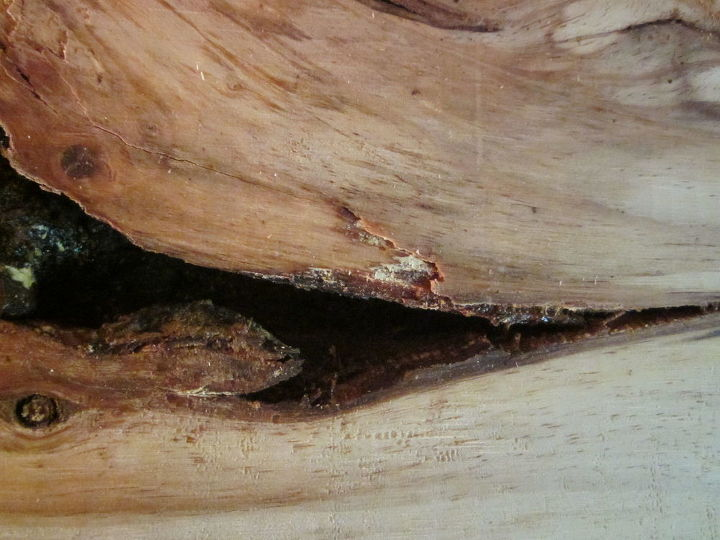 q just noticed some rotting wood in wooden planks in my basement