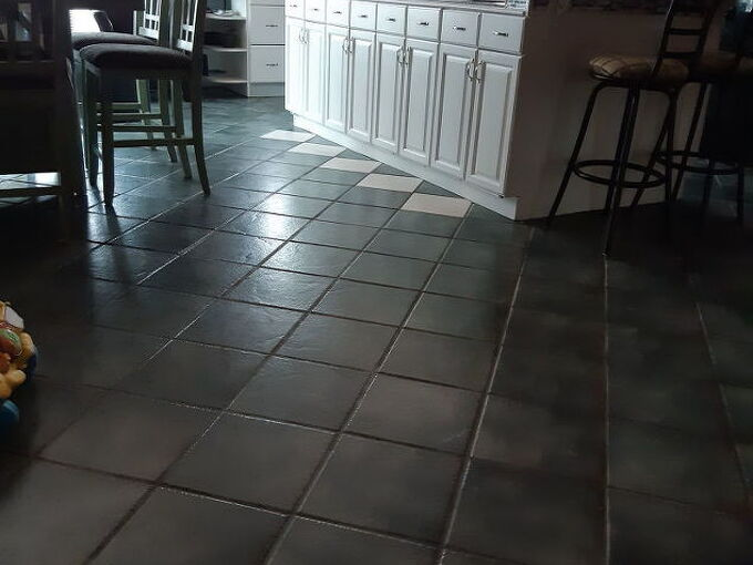 q paint ceramic tiles floor but not the grout