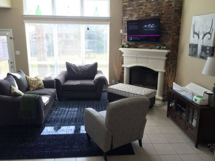q living room staging for buyers