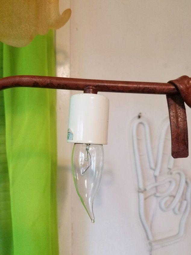 q fix this lamp