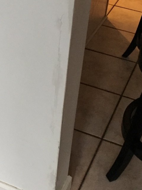 q how do you repair chipped wall corners