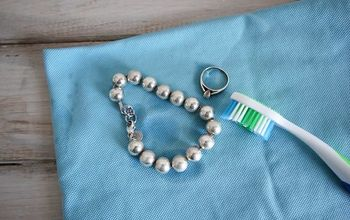 How to Clean Jewelry Naturally